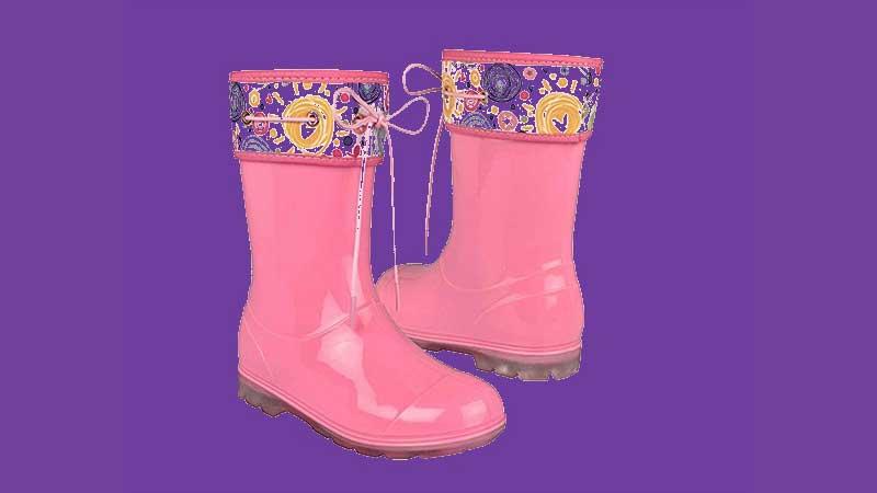 Protege tus pies con estas coquetas botas para tus hijos.