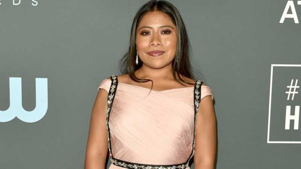 Yalitza Aparicio es galardonada en el Festival Internacional de Cine en Santa Bárbara.