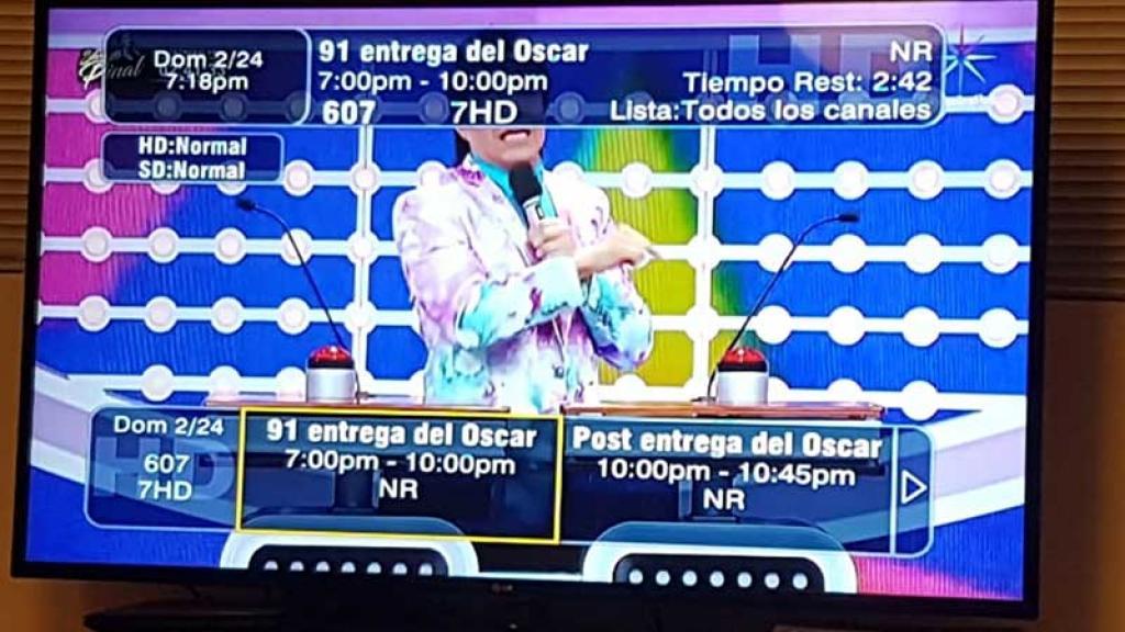 Alberto Ciurana denunció el boicot a la transmisión de los Oscar por TV Azteca.