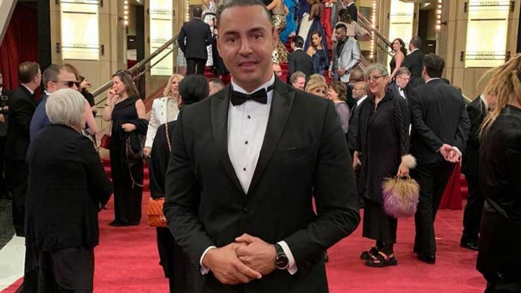 Víctor Manuel Resendez Nuncio asistió a la ceremonia y baile de los Oscar 2019.