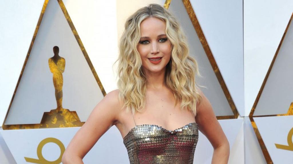 El controversial vestido que utilizó Jennifer Lawrence en su fiesta de compromiso