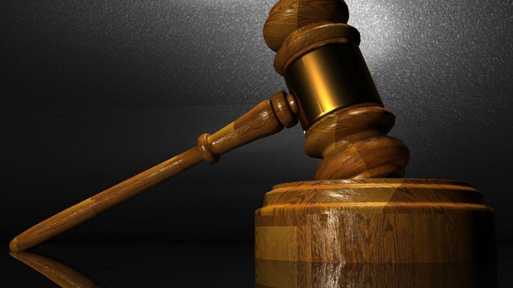 Condenan a hombre de 80 años por maltratar a su esposa durante 5 décadas