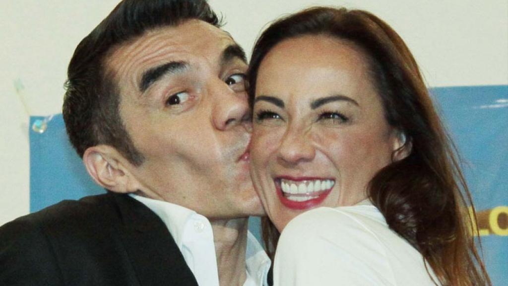 Adrián Uribe confiesa que se excita con los besos de Consuelo Duval.