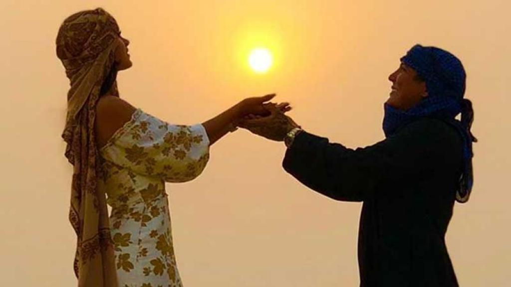 Edwin Luna y Kimberly Flores lucen muy enamorados en Dubái.