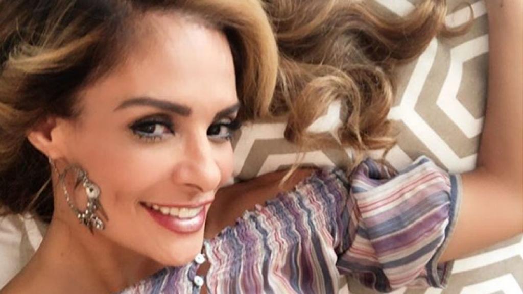Alma Cero sorprendentemente defiende a Kimberly Flores de ataques en redes