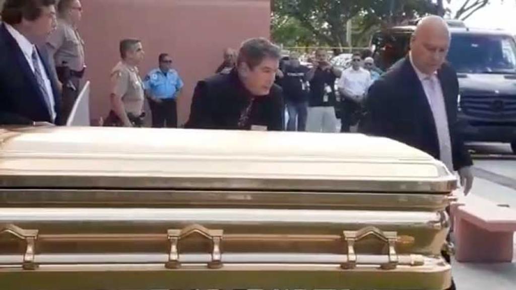 José José quería ser enterr4do junto a su madre, en el p4nteón francés.