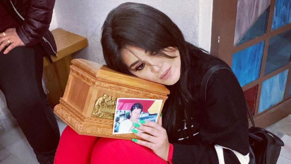 """Con fotos y mensajes de despedida le dieron el último adiós a su """"Mamiña"""",como le decían."""