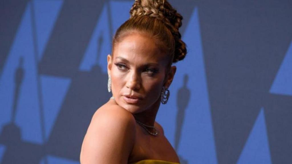 JLo utilizó nuevamente el vestido que uso en los Grammy del año 2000.