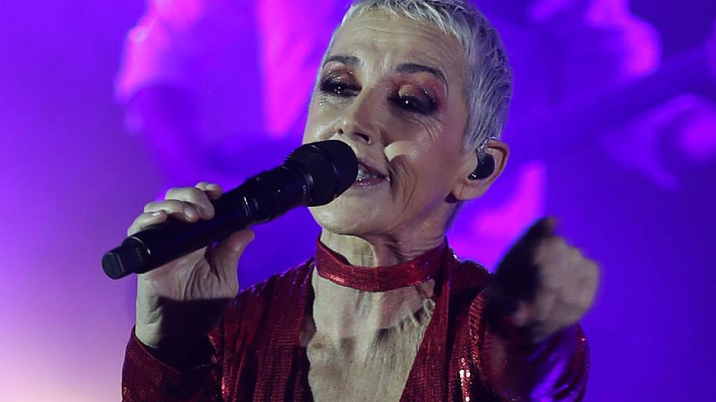 La española, además de interpretar los éxitos de Mecano, cantó sus dos más recientes sencillos.