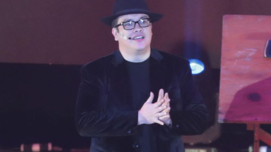 10 mil personas lo ovacionaron anoche en el Auditorio Nacional.