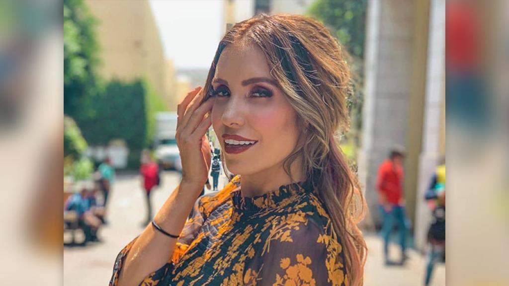 Andrea Escalona bikini foto