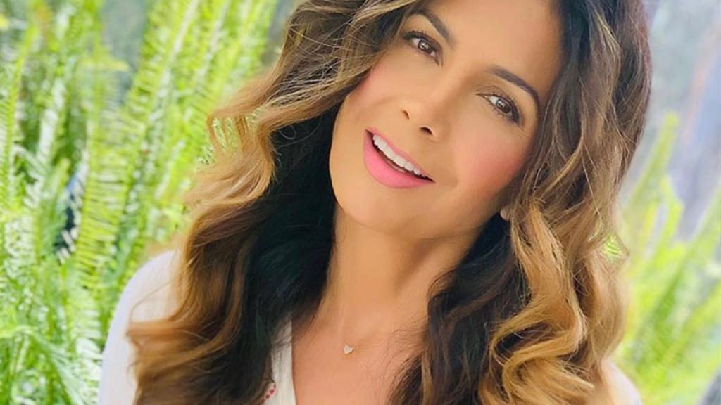 Paty Manterola cantante