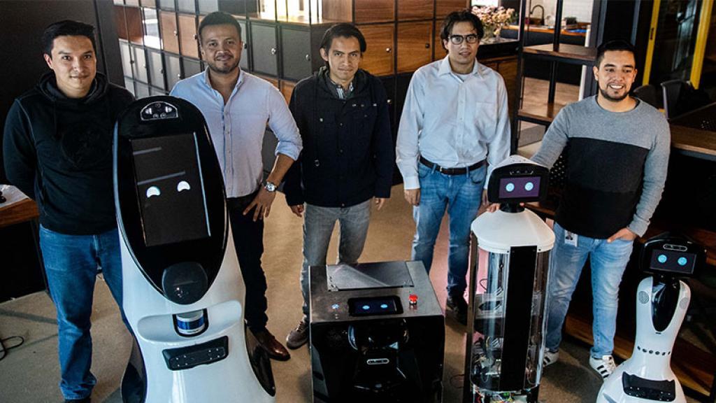 Roomie-Bot Robot Robotina Covid-19 Detección Enfermedad Aldo Luévano creador Síntomas Temperatura Oxígeno