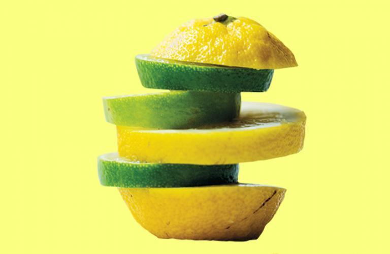 1/2 limón con cáscara,  1/2 cdta. de jabón para trastes