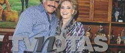 Don Vicente Fernández festeja que venció al cáncer y el medio siglo de amor con junto a su esposa 'Cuquita'