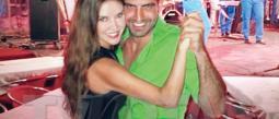 A la actriz y su galán les gusta bailar, por eso visitaron varios clubes de salsa en La Habana, donde le sacaron brillo a la pista.