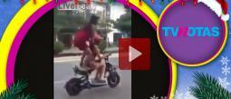 La imprudencia de estos motociclistas las llevó a ocasionar un terrible accidente.