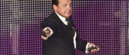 Luis Miguel sufre erección durante concierto