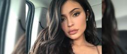Kylie Jenner se queda dormida y su tanga desaparece en su trasero