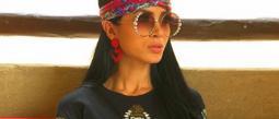 Kimberly Flores presume bolsa de lujo y se le olvida quitarle la etiqueta