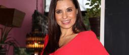 Yolanda Ventura presume sus 51 años con muy p0c4 r0p4