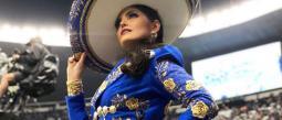Ana Bárbara pide disculpas tras haber cantado mal el himno nacional