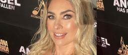 La actriz dejó boquiabiertos a sus seguidores al mostrar lo bien que realiza el sensual baile originario de Brasil.
