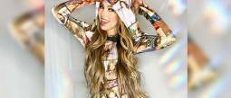 La cantante no pierde el glamour y presume sus costosos tapabocas