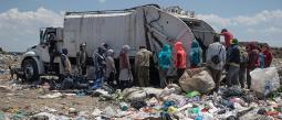 Recolectores de basura Bordo de Xochiaca México Riesgo Vida Covid-19 Residuos Funerarias Hospitales Infección