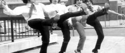 Abuelitos bailan famoso tema de Pink Floyd.