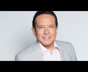 Gustavo Adolfo Infante desmiente a Martha Figueroa con fotos