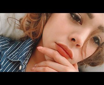 Danna Paola hace berrinche en su regreso a México