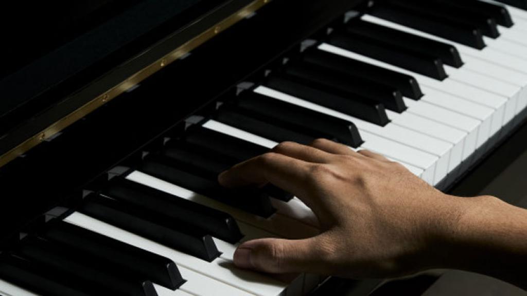 Pianista recibe inesperado regalo